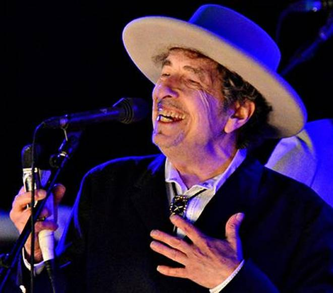 Finally, Bob Dylan accepts 2016 Nobelprize